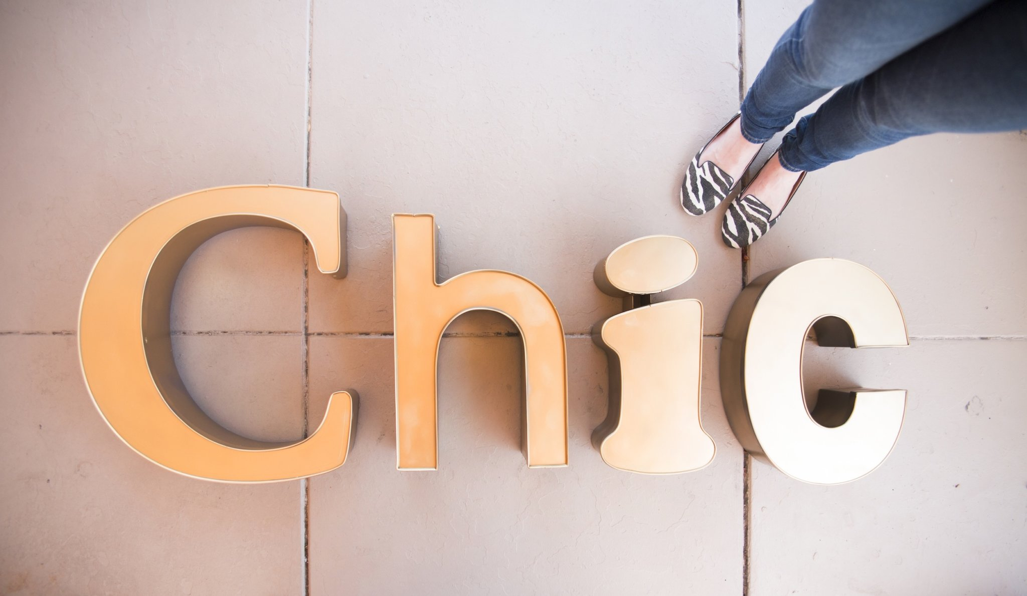 Chic Signage - TheChic