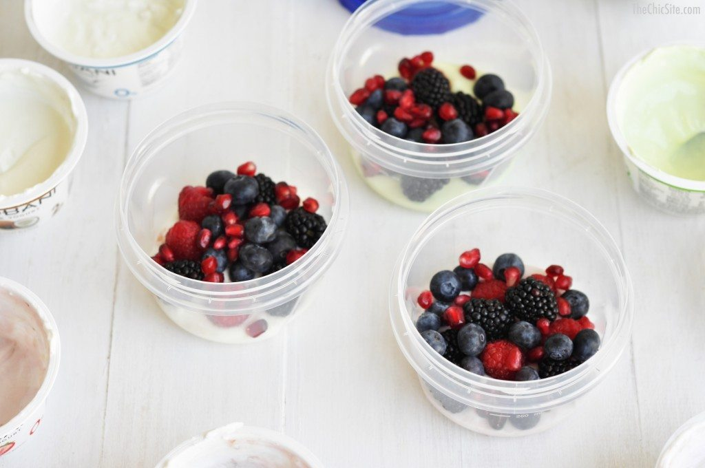 berries and yogurt parfait