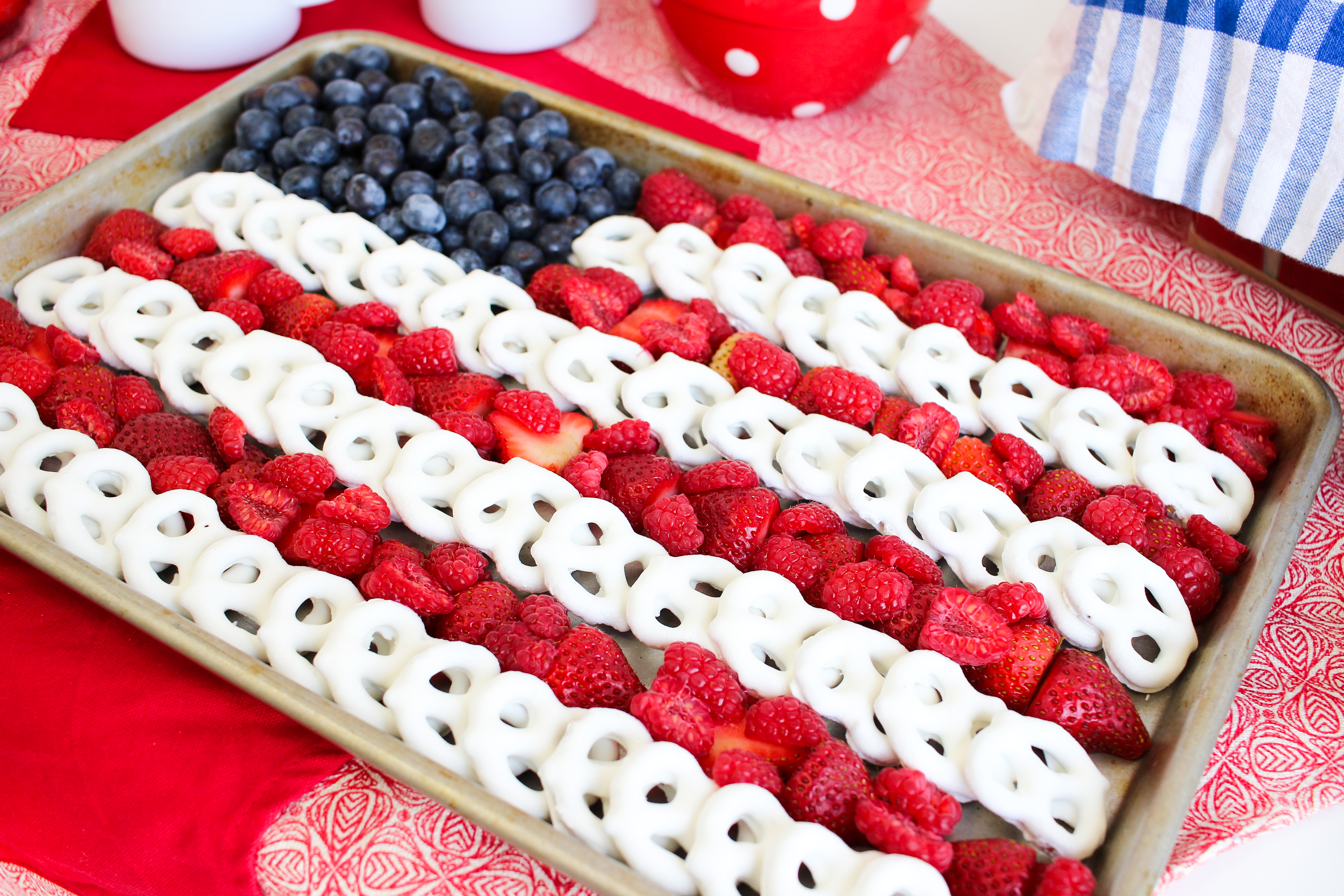 4th of July Buffet Rachel Hollis | The Chic Site